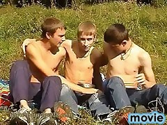 Three twinks play